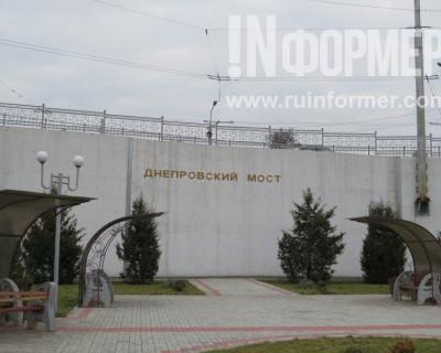 Основной севастопольский мост трещит по швам (фото)