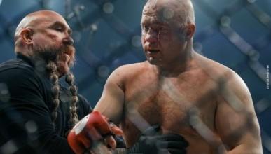 Бейдер отправил Емельяненко в нокаут на первой минуте боя (ВИДЕО НОКАУТА)