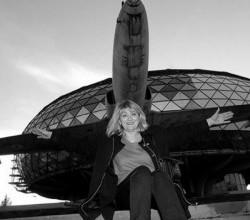 Стюардесса упала с 10-километровой высоты и выжила (ФОТО)