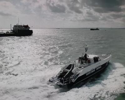 Пограничники показали журналистам, как охраняют Крымский мост