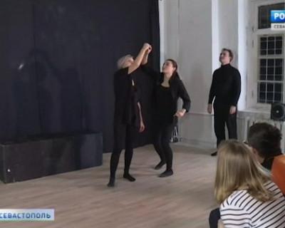 В Севастополе появился playback-театр
