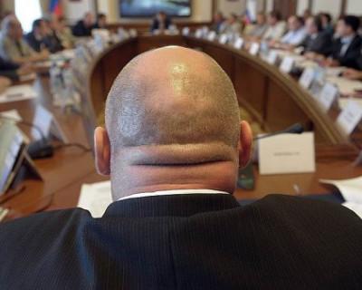 В России региональных чиновников оденут в униформу