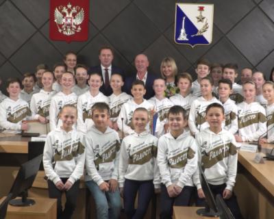 Губернатор Севастополя встретил «Радость»