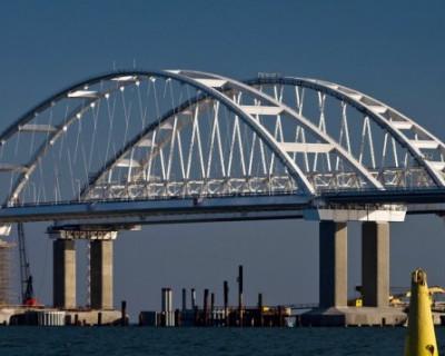 Крымский мост подвязали веревками
