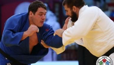 Севастопольский тяжеловес завоевал серебро в Португалии