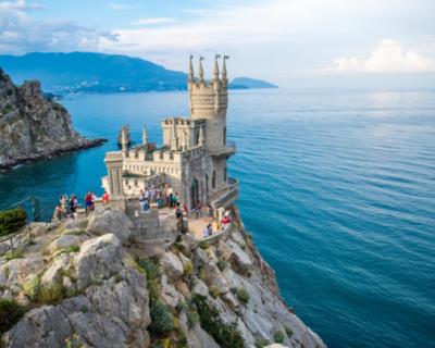 Стало известно, сколько иностранцы готовы платить за поездку в Крым