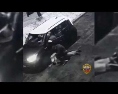 Боец ММА жестоко избил чиновника департамента образования Москвы (ВИДЕО)