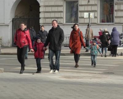 Как севастопольцы относятся к приезжим украинцам (ВИДЕО)