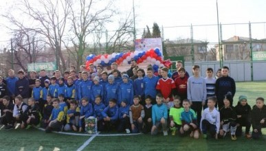 В Севастополе стартовал турнир по футболу