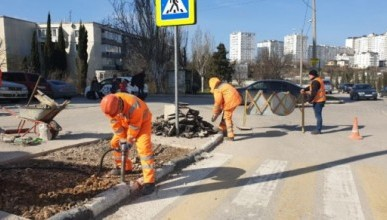 В Севастополе понизят высокие бордюры