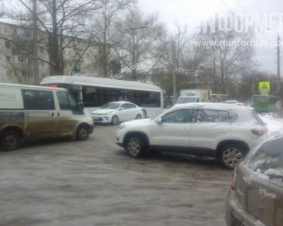 Как севастопольские дороги превратились в каток (ФОТО)