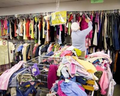 Нищие украинцы штурмуют магазин одежды сэконд-хэнда