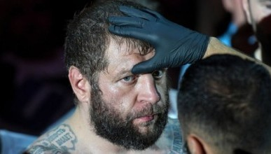 В Кисловодске полицейские задержали бойца ММА Александра Емельяненко, который  был пьян.
