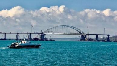 Корабли под украинским флагом свободно проходят через Керченский пролив