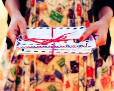 Девочкам подарили на 8 марта пустые конверты
