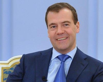 Дмитрий Медведев приструнил посла США из-за заявления о Крыме