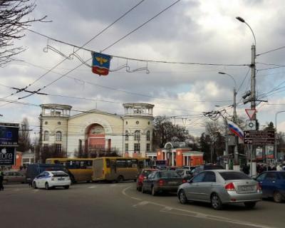 Улицы столицы Крыма помоют и пропылесосят