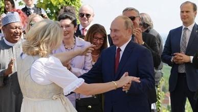 Путин лучше танцует, чем британский министр иностранных дел (ВИДЕО)