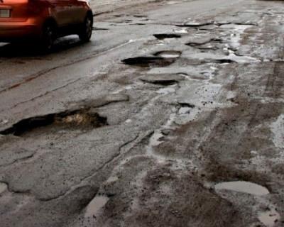 «ИНФОРМЕР» выяснил, устраивает ли севастопольцев качество ремонта дорог в городе