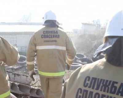 Спасатели Севастополя ликвидировали последствия взрыва бытового газа в пятиэтажном жилом доме (ФОТО)
