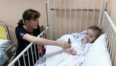 Малыш, спасённый из-под завалов рухнувшего дома в Магнитогорске, стал героем шоу Малахова (ВИДЕО)