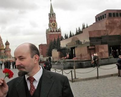 В Москве мужчина пытался оживить Ленина