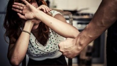 Мужчина решил отомстить за развод бывшей жене и сбил её на бешеной скорости (ВИДЕО)