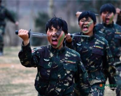 Удивительное видео учений женского китайского спецназа  (ВИДЕО)