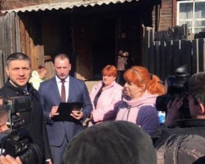 Российский губернатор второй раз расплакался на встрече с многодетной матерью (ВИДЕО)