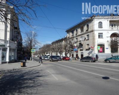 Блеск и нищета главной улицы Севастополя (ФОТОРЕПОРТАЖ)
