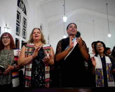 Как будут крестить трансгендеров в РПЦ