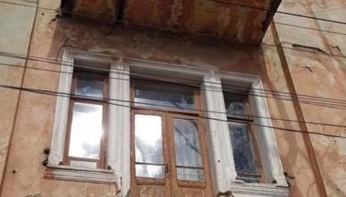В крымской столице упали три балкона (ФОТО)