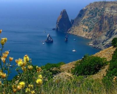В Крыму процветает бизнес на невыездных чиновниках