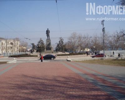Главная площадь Севастополя нуждается в срочном ремонте