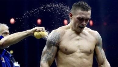 Усик отказался от титула чемпиона мира WBA