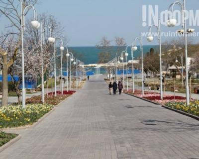 Севастополь украсили цветами