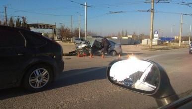 ДТП в Севастополе: возле крупного торгового центра произошла страшная авария (ФОТО)