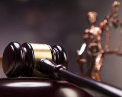 Россиянин «забыл, что хотел сказать» и обвинил судью в излишней сексуальности