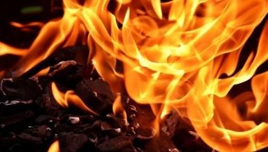 Смертельный пожар в Крыму: в частном доме погибли три человека