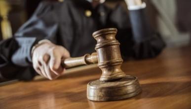 Женщина оскорбила новую избранницу мужа и пошла под суд