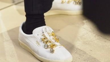 Озвучена стоимость брендовых кроссовок священников