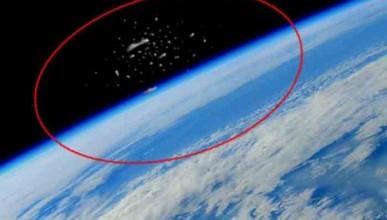 Астронавты МКС засняли сотни кораблей с Нибиру на орбите Земли (ФОТО)