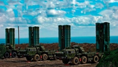 С-400 в Крыму поразили баллистическую ракету (ВИДЕО)