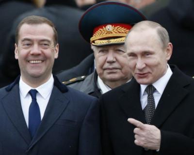 Медведев опередил Путина