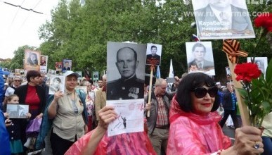 Организаторы акции «Бессмертный полк» запретили во время шествия портреты Сталина, красные знамя и чиновников