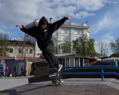 В центре Севастополя открыли самый большой на полуострове скейт-парк