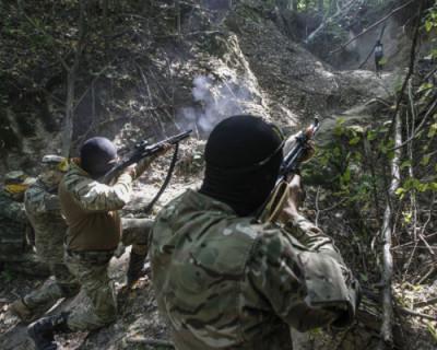 Украинские диверсанты перед дебатами Зеленского и Порошенко попытались проникнуть на территорию ДНР
