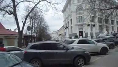 Улицу Маяковского закрыли для частного автотранспорта