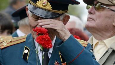 И вечно будет биться сердце русской славы!