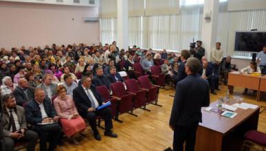 Губернатор Севастополя обсудил с жителями Казачьей бухты перспективы развития микрорайона